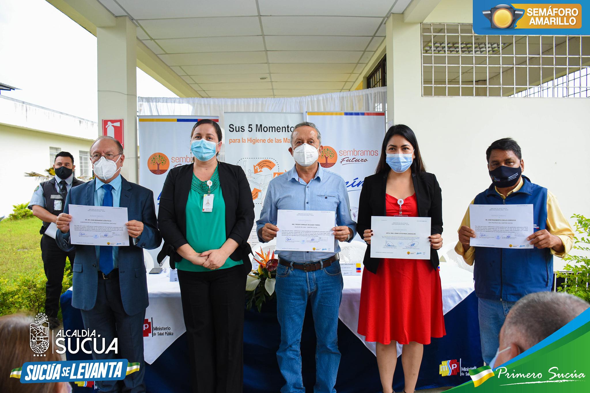 Distrito de Salud 14D03 Sucúa - Logroño, entrega reconocimiento a personal y autoridades que laboran durante la emergencia sanitaria